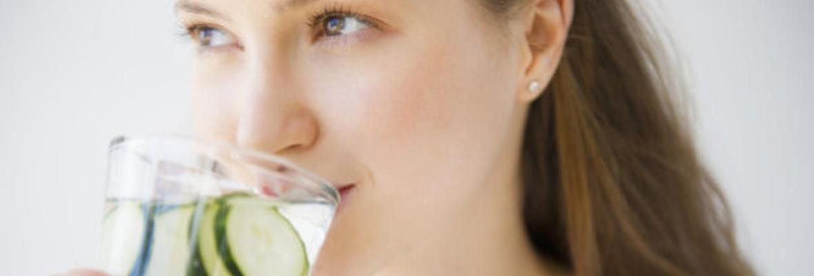 ダイエットを成功させる水を飲む習慣を身につける6つの方法